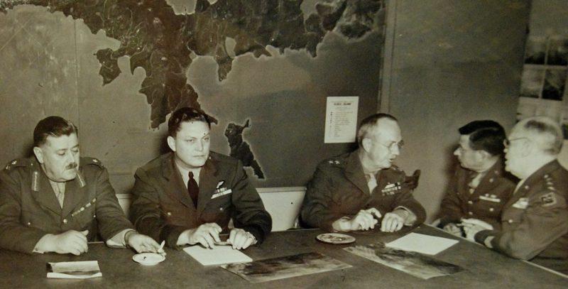 Планирование операции «Коттедж» объединенным командованием.