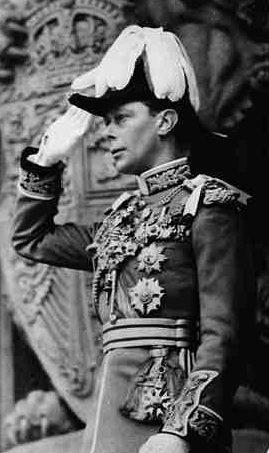 Король Георг VI в парадном мундире.