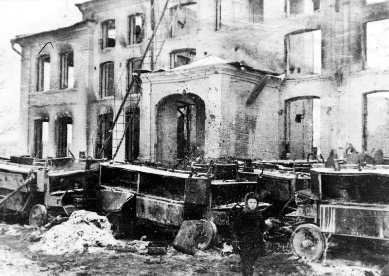 Калуга после освобождения. Руины театра. Январь 1942 г.
