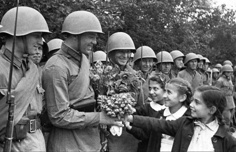 Парад в честь присоединения Бессарабии. Июль 1940 г.