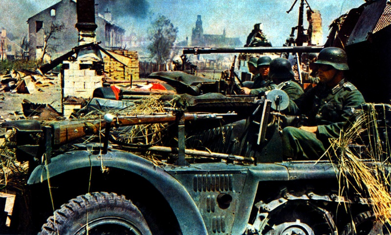 Немецкие солдаты входят в Гродно. 22 июня 1941 г.
