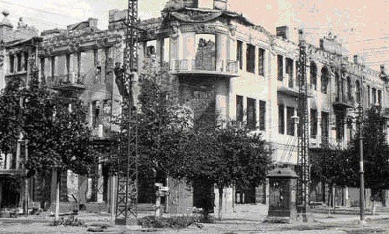 Город в ожидании бомбардировки. Июль 1941 г.