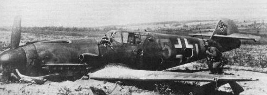Сбитый немецкий истребитель под Ельней. Сентябрь 1941 г.