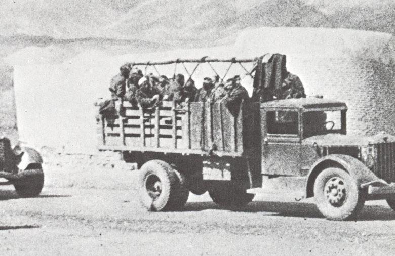 Советские войска пересекают границу с Ираном. 25 августа 1941 г.