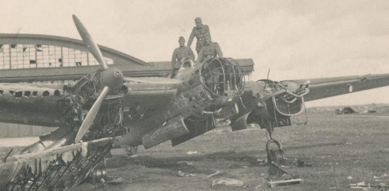 Захваченный немецкими войсками Луполовский аэродром. Июль 1941 г.