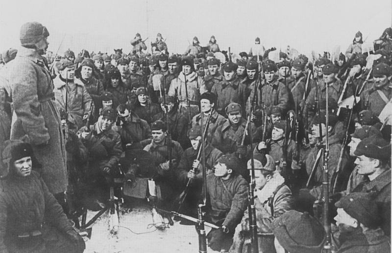 Митинг бойцов РККА в Выборге, посвященный заключению мира между СССР и Финляндией. Март 1940 г.