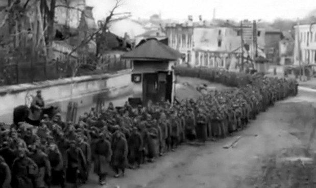 Пленные красноармейцы. Октябрь 1941 г.