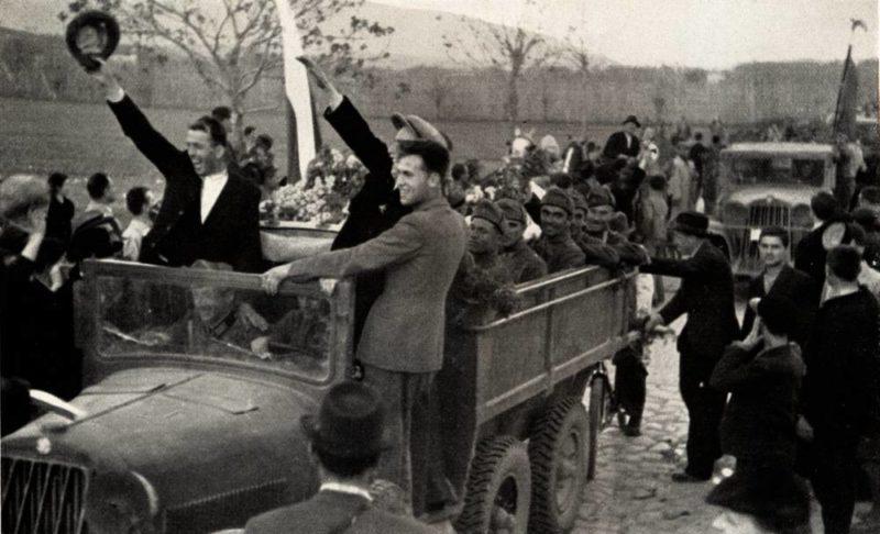 Болгарские войска входят в Вардар. Македонии, апрель 1941 г.