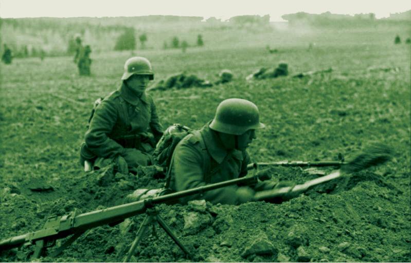 Немецкая пехота окапывается под Вязьмой. Октябрь 1941 г.