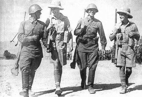 Советские и британские пехотинцы. Август 1941 г.