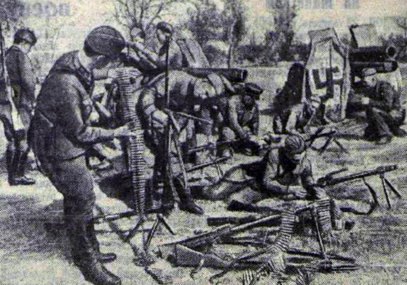 Трофеи после освобождения Ельни. Сентябрь 1941 г.