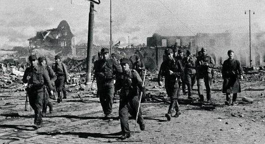 Финские войска входят в Выборг. 29 августа 1941 г.