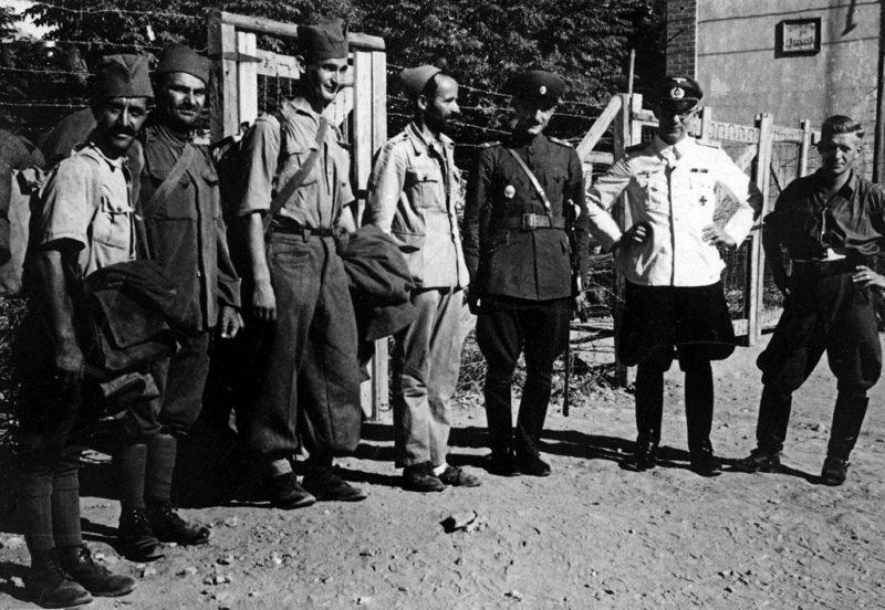 Профессор Димитар Яранов освобождает греческих военнопленных болгарского происхождения. Июнь 1941 г.