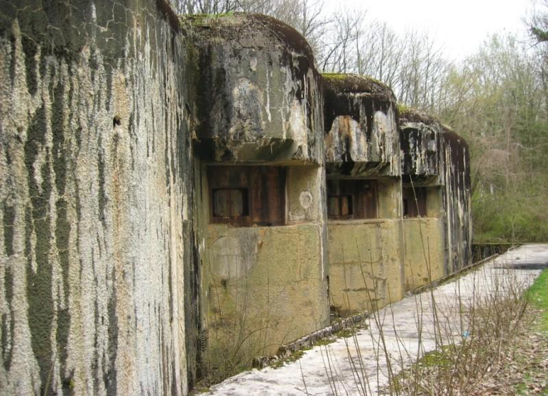 Артиллерийские амбразуры блока №6.