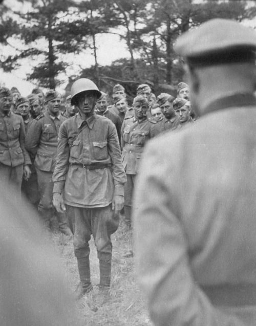 Военнопленные из «вяземского котла». Октябрь 1941 г.