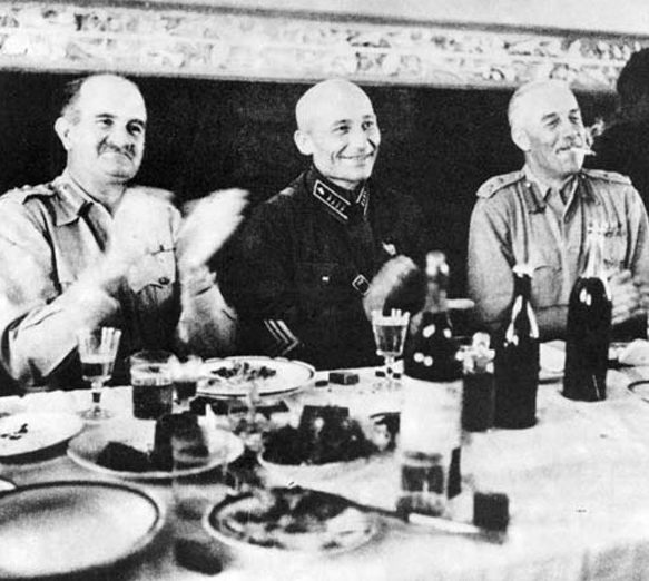 Вечеринка британского, советского и американского военного командования. Тегеран. 1941 г.