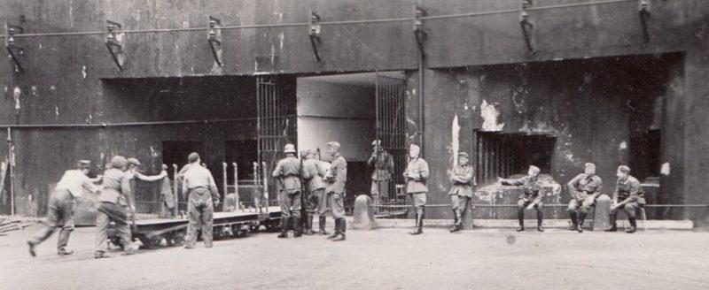 Входной блок для поставки боеприпасов во время немецкой оккупации.