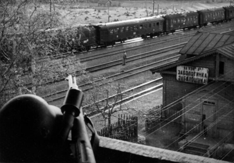 Болгарский военно-санитарный поезд на станции Заболотинка. Белоруссия 1942 г.