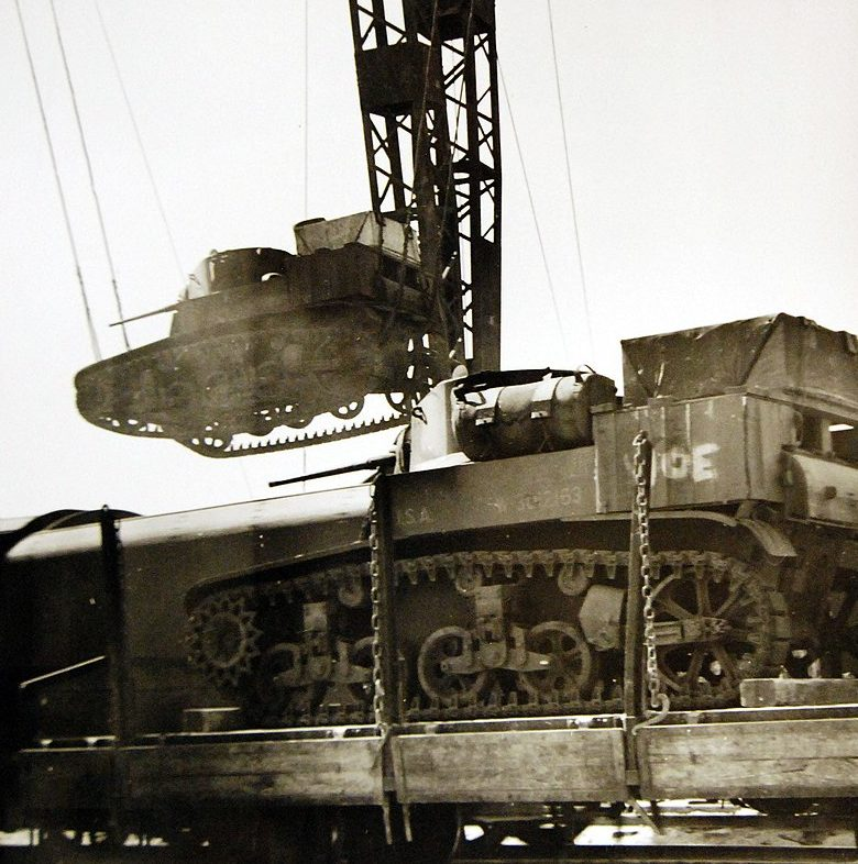 Грузы, пришедшие в Иран морем по ленд-лизу для СССР. 1942 г.