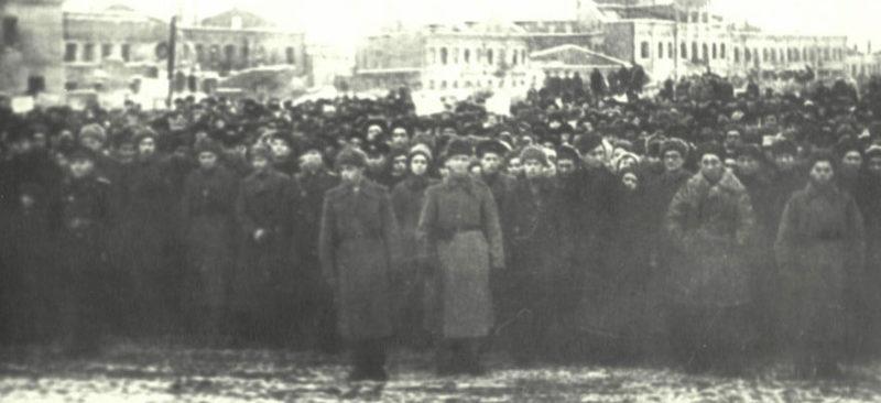 Митинг в честь освобождения города. 26 ноября 1943 г.