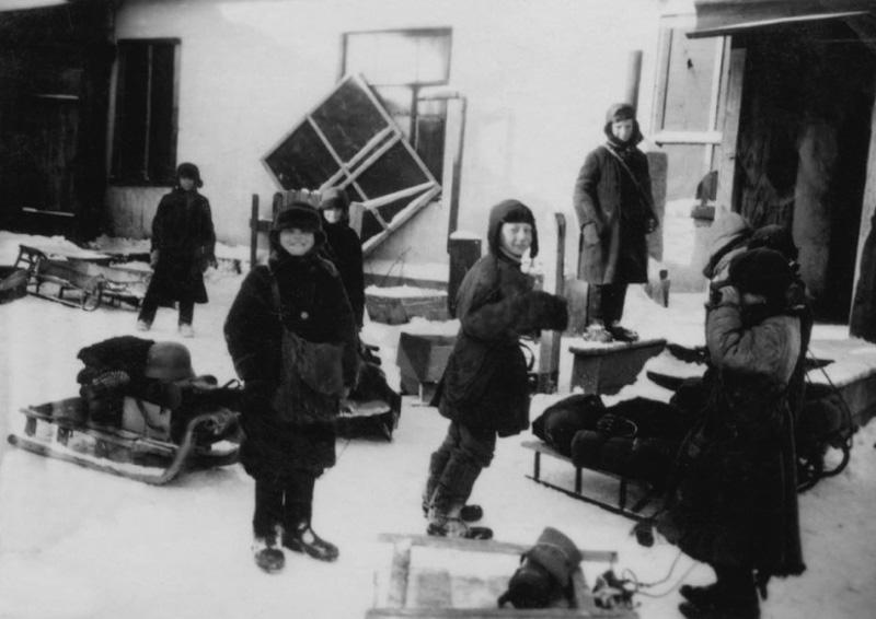 Улицы города в оккупации. 1942 г.