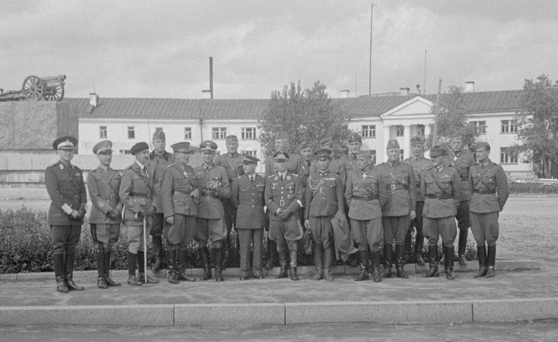 Делегация военных атташе союзников финнов. Апрель 1942 г.