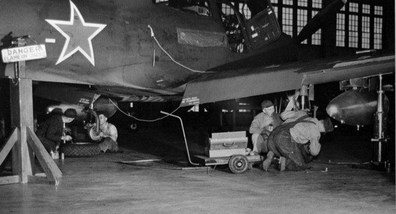 Сборочный завод американских самолетов в Иране для поставок в СССР. 1942 г.