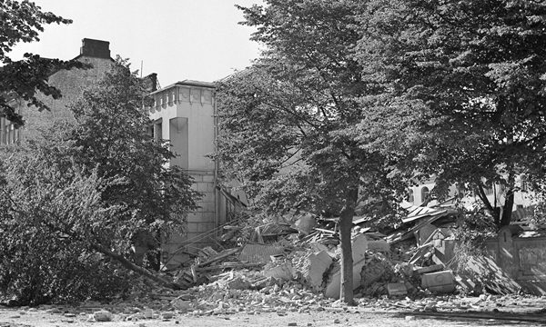 Дом почтово-телеграфной компании после взрыва радиомины. Сентябрь 1941г.