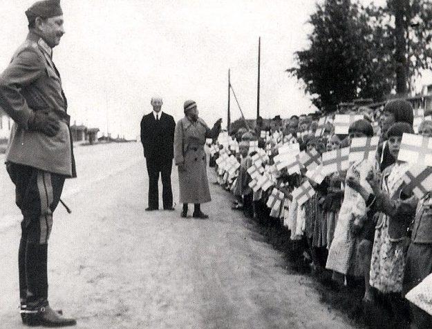 Маннергейм на параде в Петрозаводске. Август 1942 г.