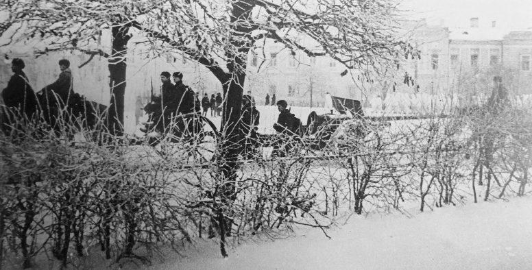 Красная Армия входит в город. 16 декабря 1941 г.