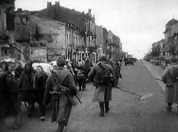 Возвращение беженцев. Ноябрь 1943 г.
