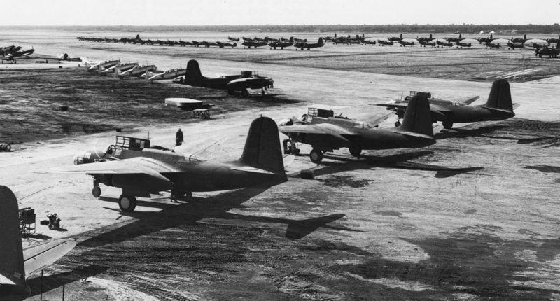 Самолеты США, собранные в Иране по ленд-лизу на аэродроме Абадана, готовы к перелету в СССР. Январь 1942 г.