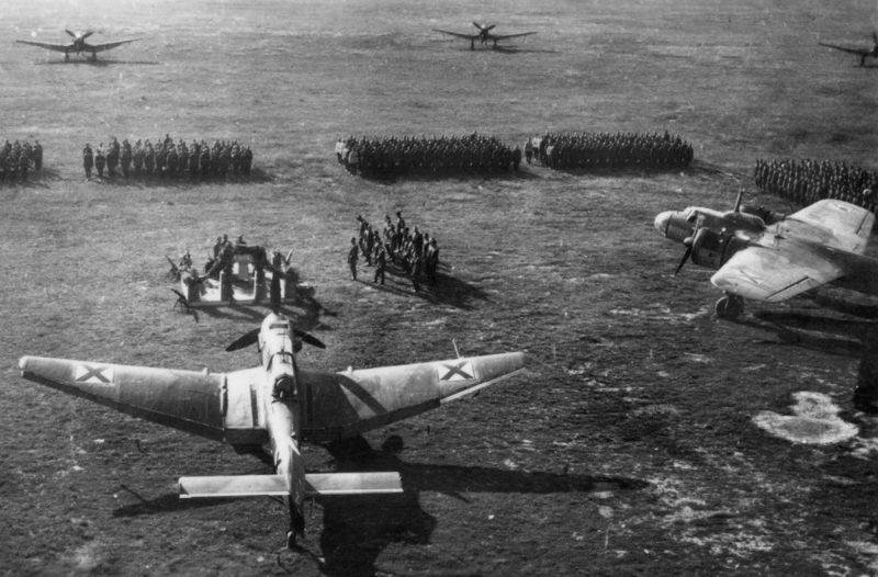 Построение болгарского 5-го бомбардировочного полка. 1943 г.