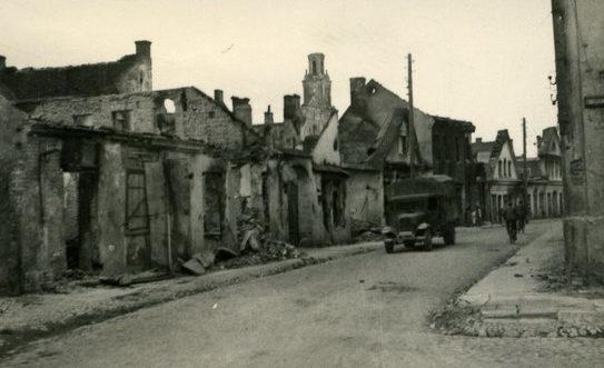 Улицы города в оккупации. 1943 г.