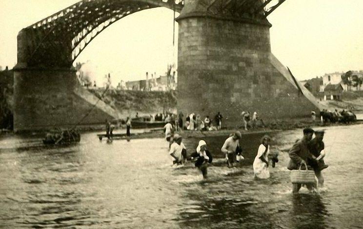 Брод в районе Двинского моста. 1941 г.