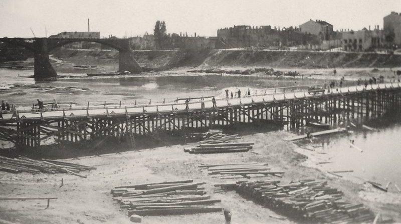 Временный мост через Двину у устья Витьбы. 1941 г.