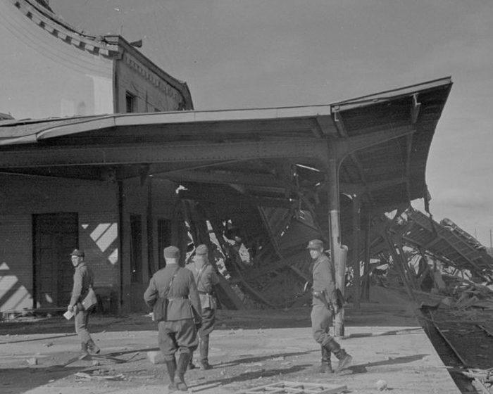 Финские солдаты на вокзале Выборга. 1941 г.