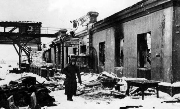 Вокзал Калинина после освобождения города. Декабрь 1941 г.
