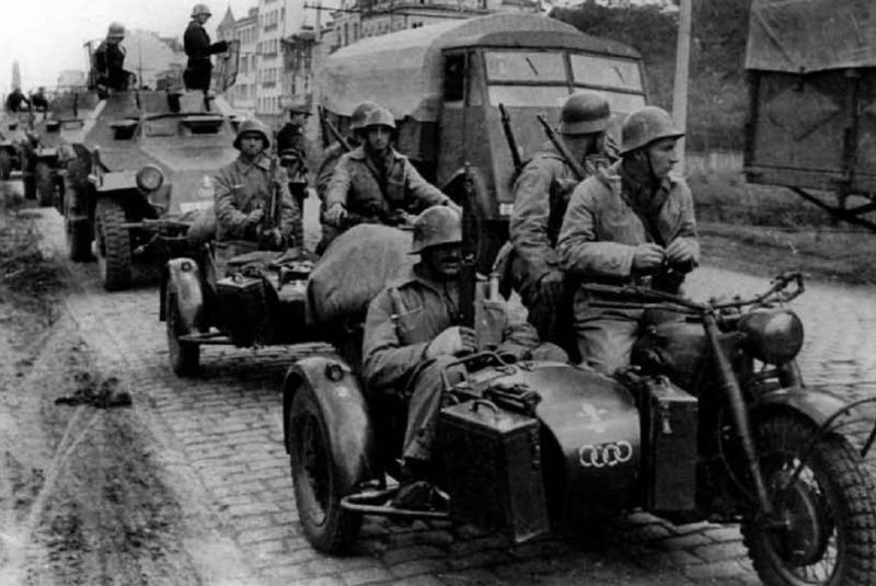 Болгарская колонна вошла в Югославию. 12 октября 1944 г.