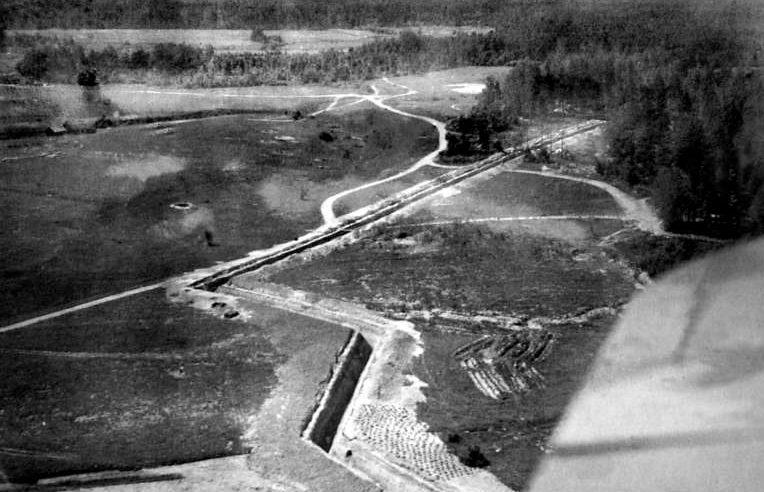 Противотанковый ров под Витебском. 1944 г.