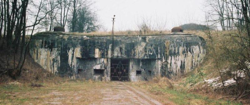 Входной блок для поставки боеприпасов в годы войны и сегодня.