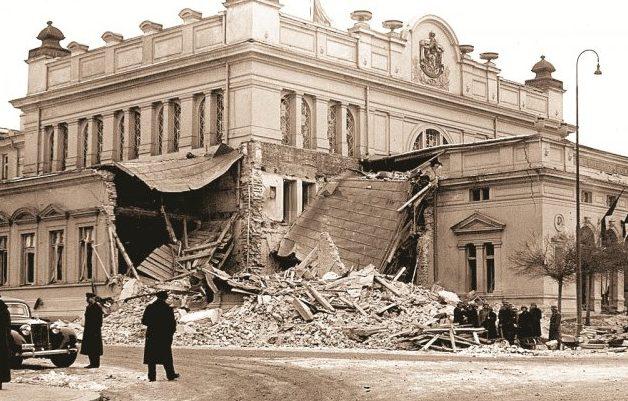 Здания в Софии, поврежденные бомбардировками Союзников. 1944 г.