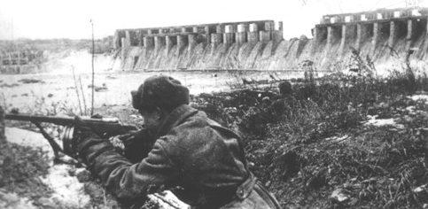 Бой у плотины Днепрогэса. Октябрь 1943 год.