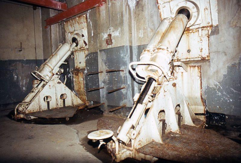 Казематные 81-мм минометы блока №3.