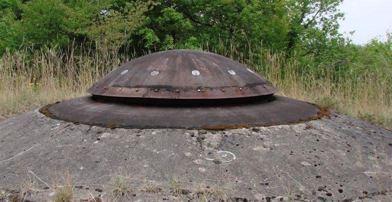 Пулеметная бронебашня блока №4.
