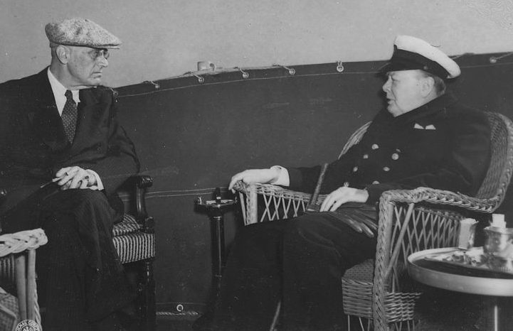Рузвельт и Черчилль на Мальтийской конференции.