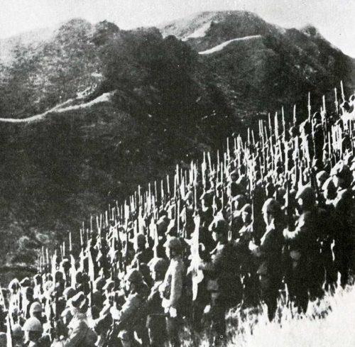 Войска японской 15-й армии на границе с Бирмой.