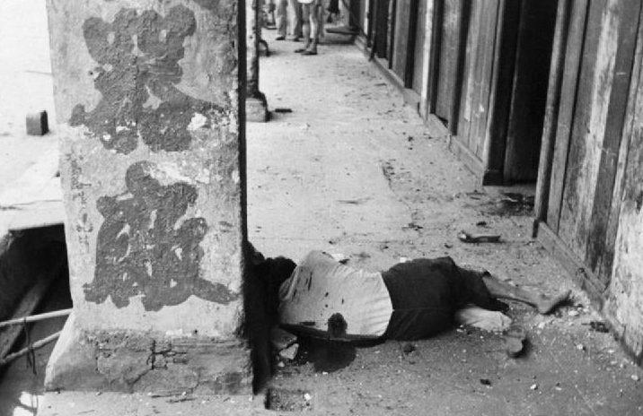 Жертва японской бомбардировки.