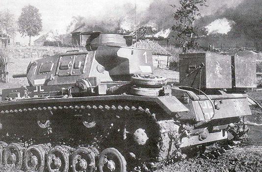 Танки 11-й танковой дивизии Вермахта под Вязьмой.