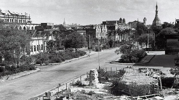 Разрушенный Рангун, после захвата японскими войсками.